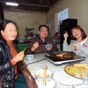 Middag med mora og faren til Sam, og Stephanie.