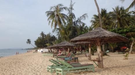 Nede på stranda