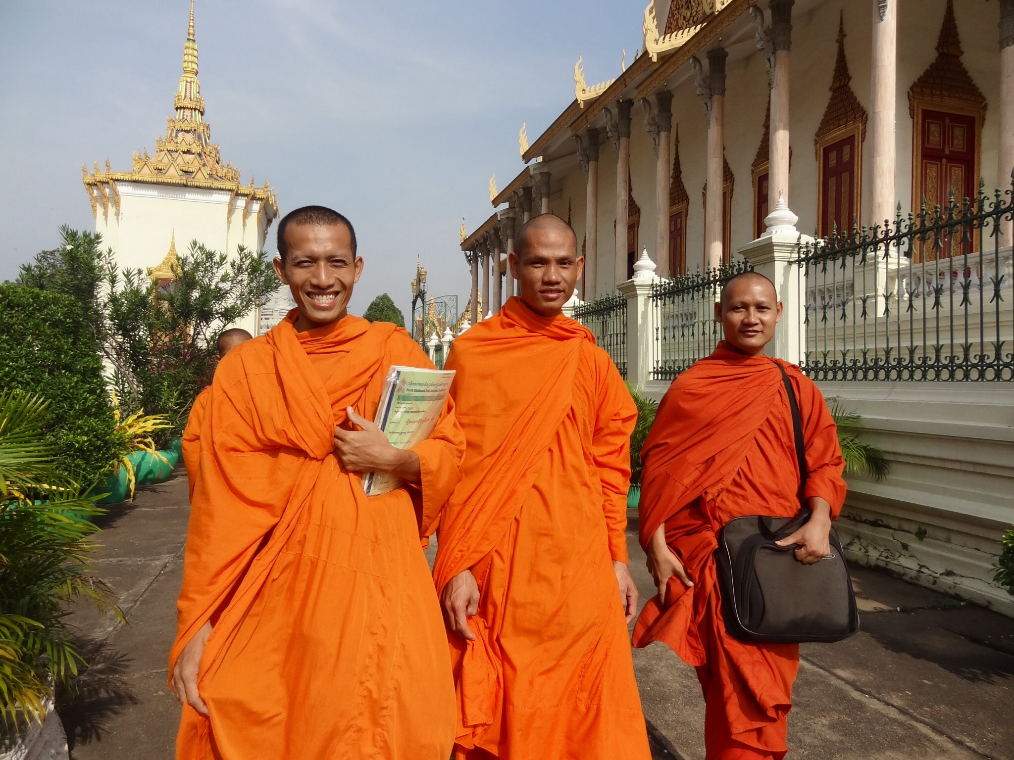 kambodsja flagg parad hotel nakenscener