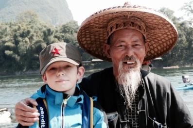 Isak og skarvefiskeren i Yangshuo
