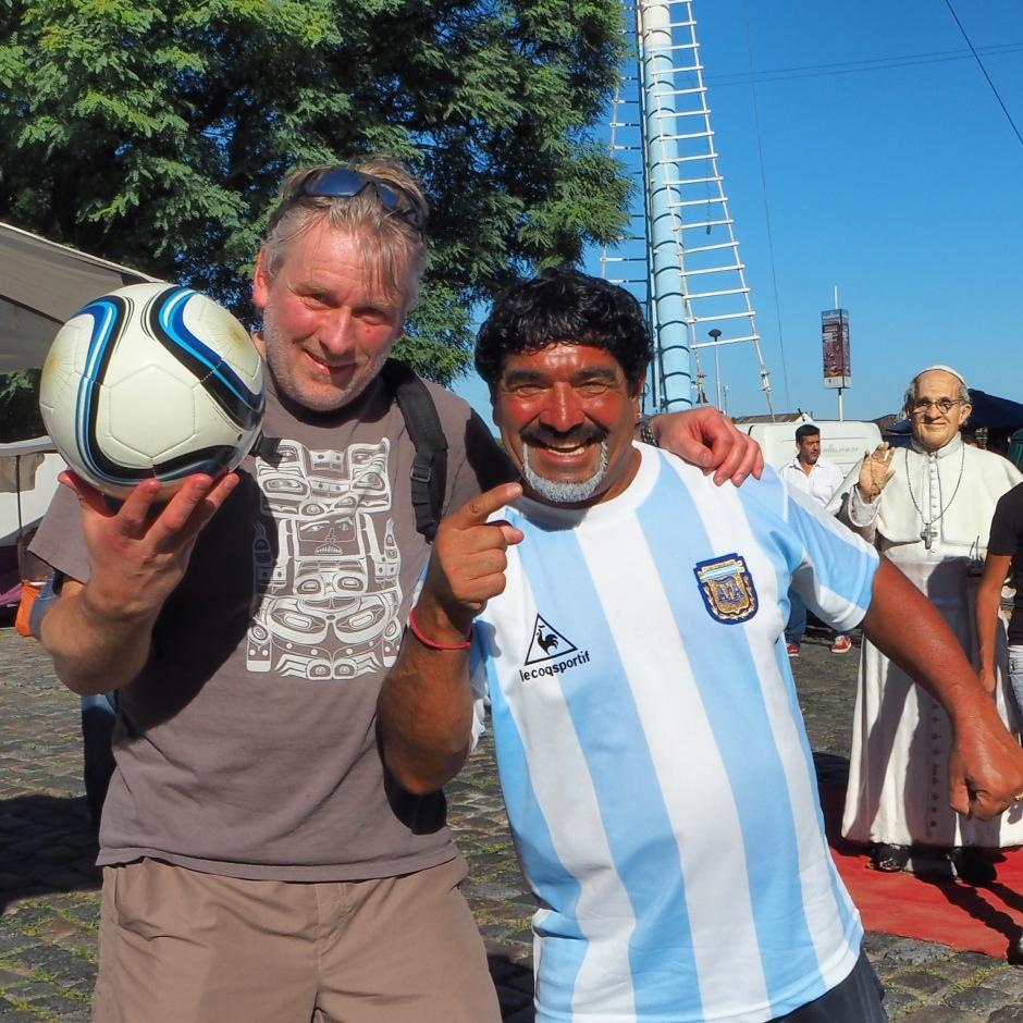 Her traff Geir Tore en gammel helt... Selveste Diego Maradona...