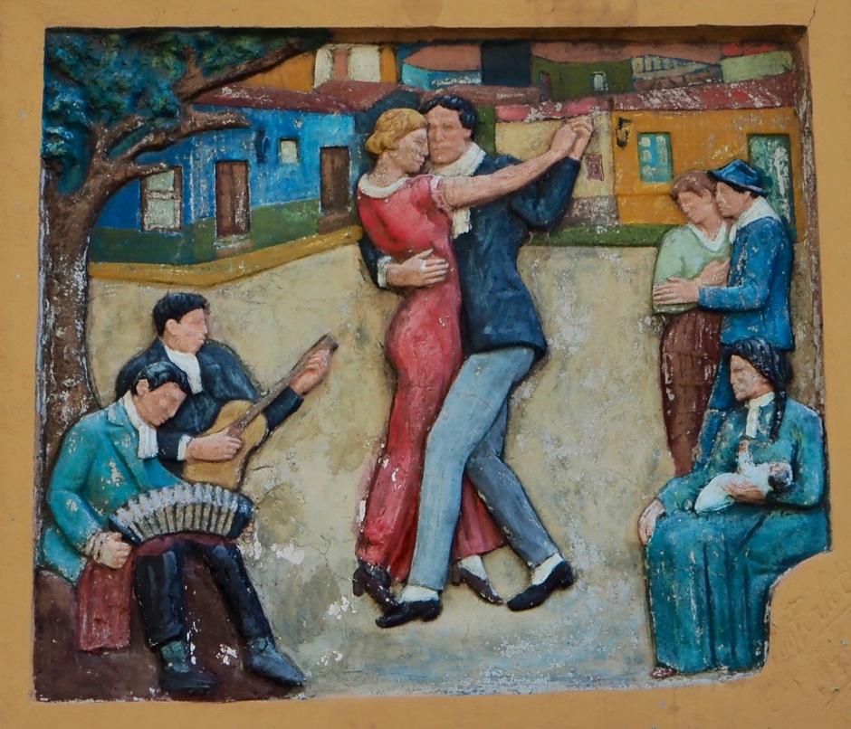 Tangodans pryder en bygning i bydelen La Boca