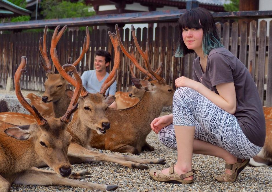 Kaisa i nærkontakt med Bambi